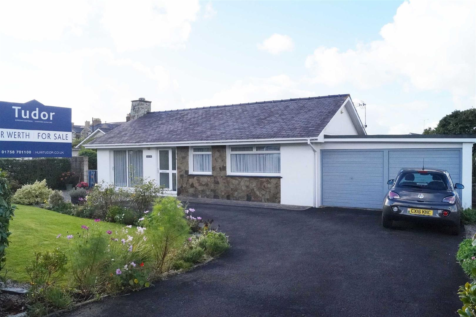 Penaber Estate, Criccieth - £262,500/Reduced to